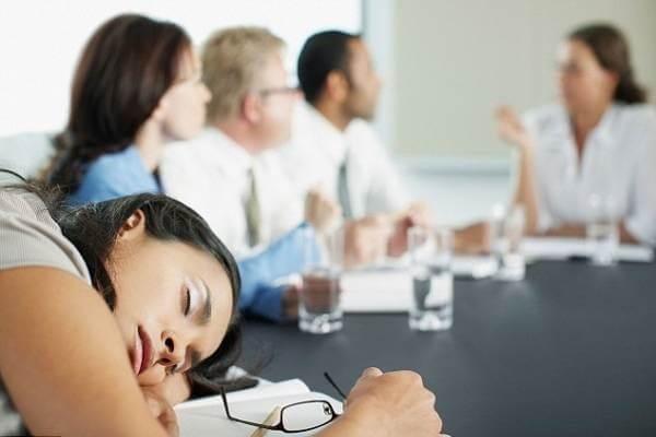 Không nên cố gằng tham gia những cuộc họp không cần thiết đồi với bản thân