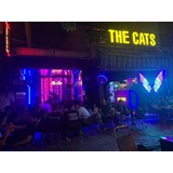 Cần tuyển phục vụ cho THE CATS - FOODS AND BEERS